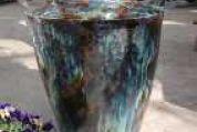 Braun, grün - bläulich schillernde Vase